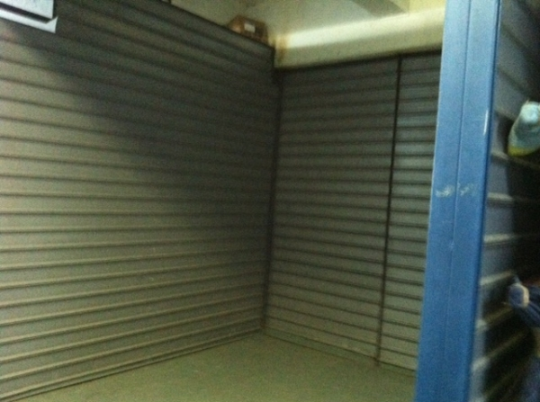 Hunts Point Mini Storage - Photo 3