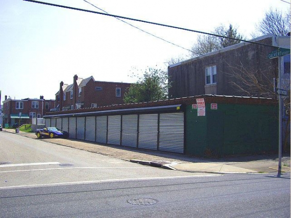 Garages Org - 3rd Street - 5823 North 3rd Street, Philadelphia PA 19120 - Road Frontage · Drive-up Units · Driving Aisle