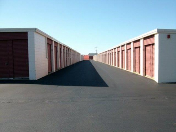 Newport Mini Storage Center - Photo 2