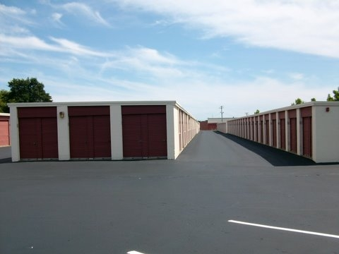 Newport Mini Storage Center - Photo 4