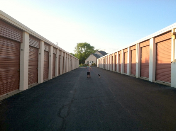 Newport Mini Storage Center - Photo 7