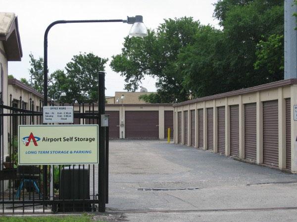 Airport Self Storage - Photo 3