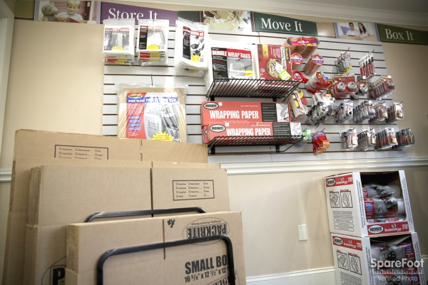 Advantage Self Storage - Beverly - Photo 14