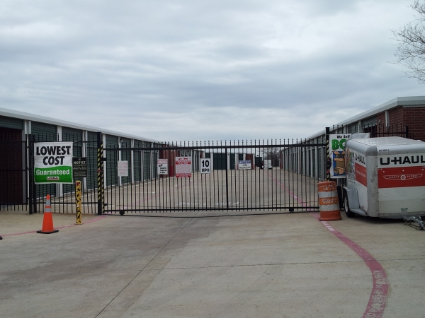 STORE MORE! Self Storage - Grand Prairie - Photo 6