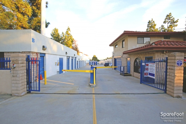 US Storage Centers - La Crescenta - Photo 3