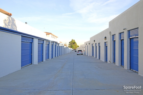 US Storage Centers - La Crescenta - Photo 7