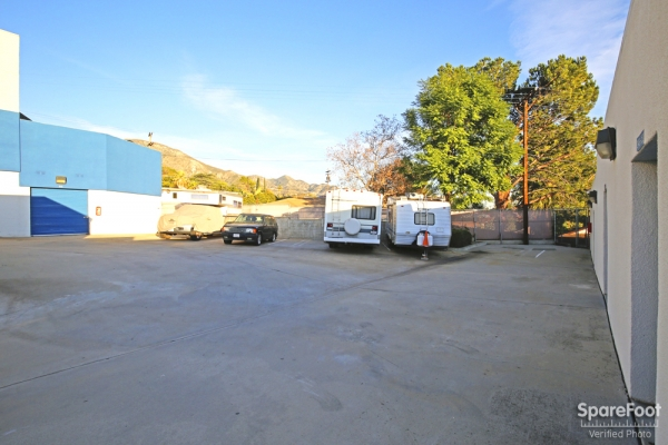 US Storage Centers - La Crescenta - Photo 10