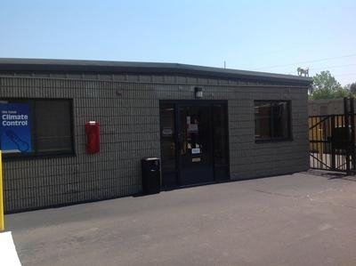 Uncle Bob's Self Storage - North Haven - 30 Stillman Rd, North Haven CT 06473