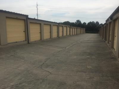 Uncle Bob's Self Storage - Columbia - Parklane Rd - Photo 8