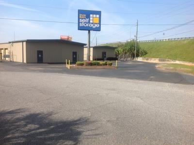 Uncle Bob's Self Storage - Pensacola - E Fairfield Dr - Photo 12