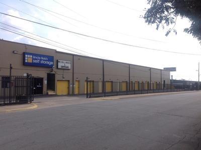 Uncle Bob's Self Storage - Dallas - 9450 Hargrove Dr - Photo 1