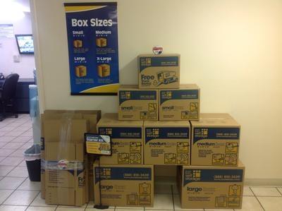 Uncle Bob's Self Storage - Dallas - 9450 Hargrove Dr - Photo 5