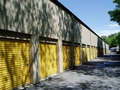 Uncle Bob's Self Storage - Salem - Highland Ave - Photo 2