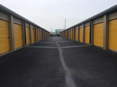 Uncle Bob's Self Storage - Webster - Highway 3 - Photo 5
