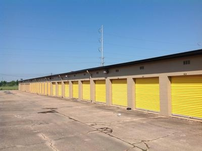 Uncle Bob's Self Storage - Lafayette - Ambassador Caffery Pky - Photo 5