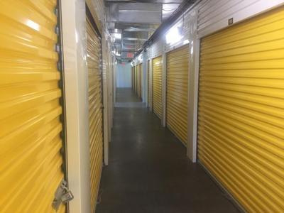 Uncle Bob's Self Storage - Columbia - Garners Ferry Rd - Photo 5