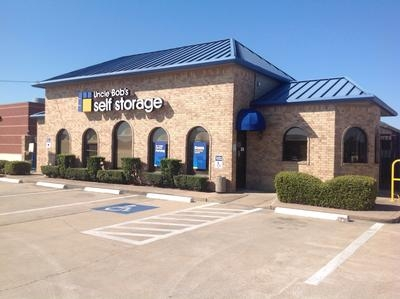 Uncle Bob's Self Storage - Houston - Jones Rd - 9145 Jones Rd, Houston TX 77065 - Storefront