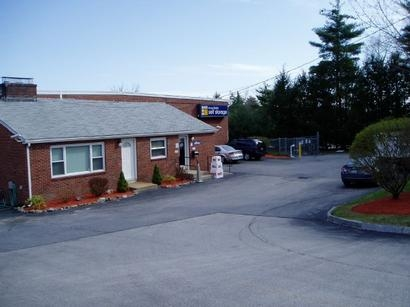 Uncle Bob's Self Storage - Nashua - 120 Spit Brook Rd, Nashua NH 03062 - Storefront
