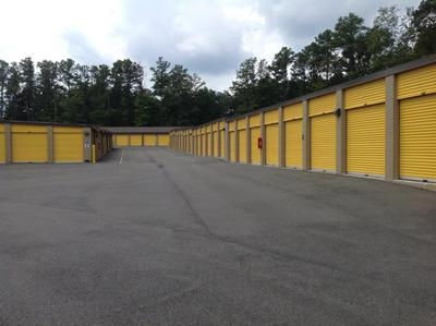 Uncle Bob's Self Storage - Midlothian - Photo 3