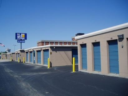 Uncle Bob's Self Storage - Louisville - Browns Ln - Photo 3