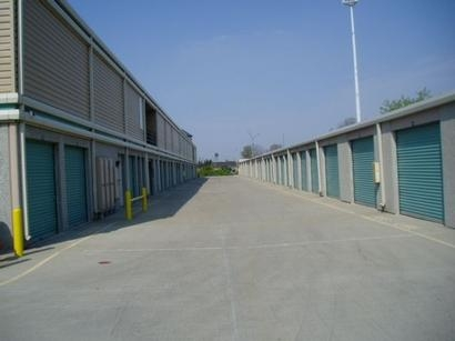 Uncle Bob's Self Storage - Columbus - Evanswood - Photo 3