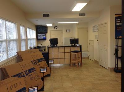 Uncle Bob's Self Storage - San Antonio - Jackson-Keller Rd - Photo 7