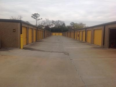 Uncle Bob's Self Storage - Houston - Long Point Rd - Photo 6