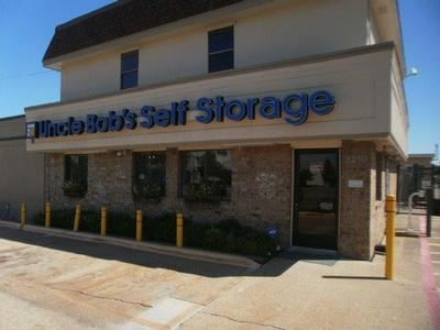 Uncle Bob's Self Storage - Dallas - S Buckner Blvd - 3210 S Buckner Blvd, Dallas TX 75227 - Storefront