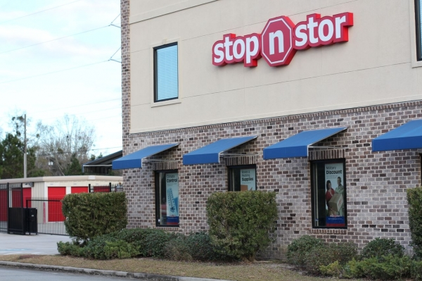 Stop N Stor 2 - Photo 3