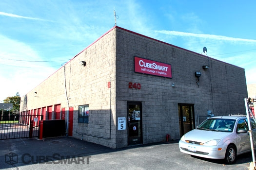 CubeSmart Self Storage - 240 Bay Shore Road, North Babylon NY 11703