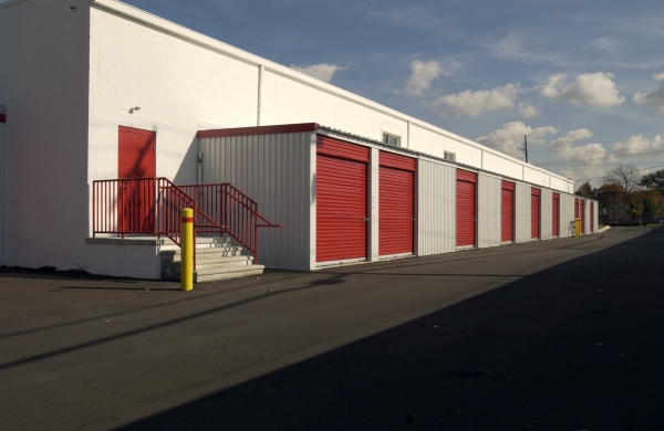 National Storage Centers - Redford - Photo 6
