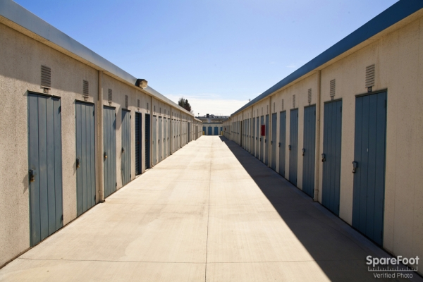 Golden State Storage - North Hills - Photo 5