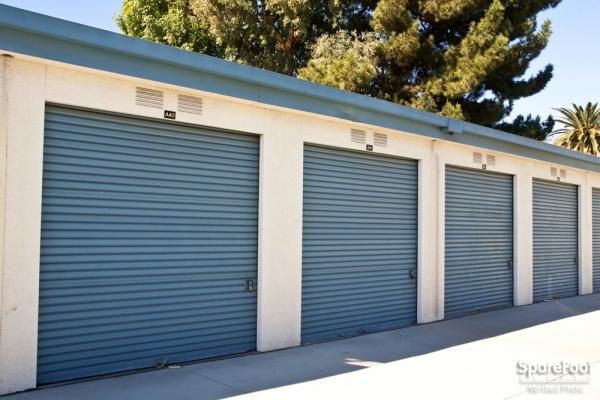 Golden State Storage - North Hills - Photo 6