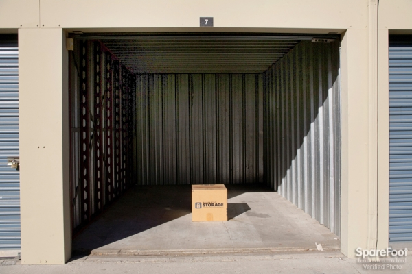Golden State Storage - North Hills - Photo 7