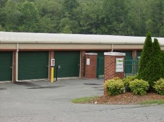 Reynolda Storage & Business Centre - Photo 6