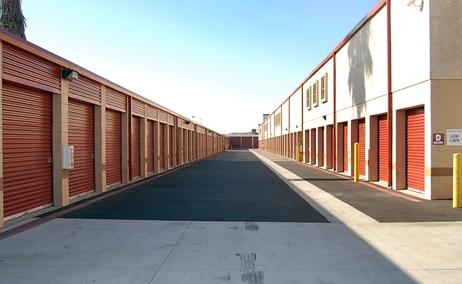 Storage Etc. - Chatsworth - Photo 3