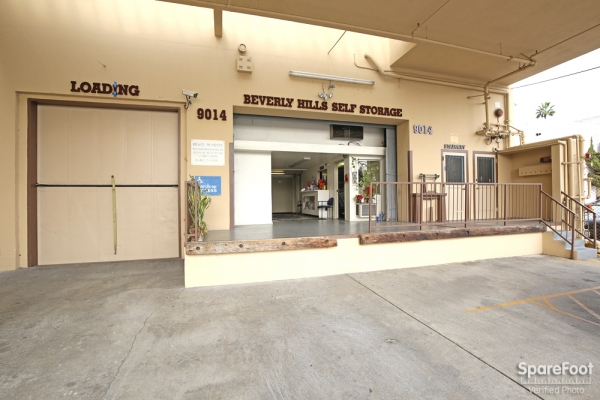 Beverly Hills Self Storage - 9014 Wilshire Blvd, Beverly Hills CA 90211 - Storefront