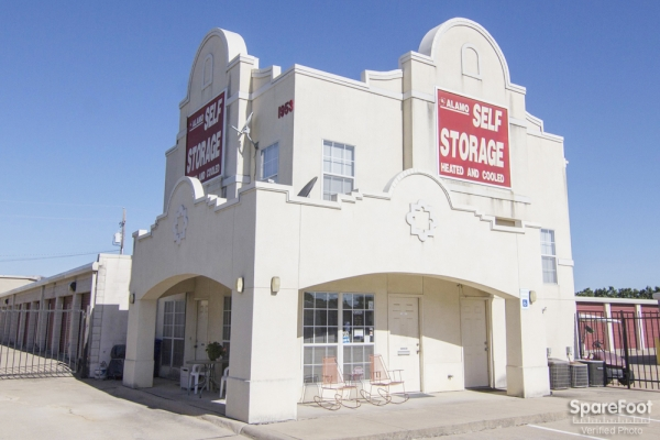 Alamo Self Storage - Carrollton - 1953 E Frankford Rd, Carrollton TX 75007