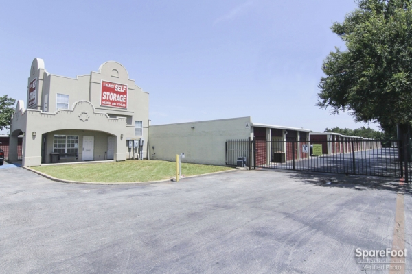 Alamo-Redbird Self Storage - 7011 Marvin D Love Fwy, Dallas TX 75237