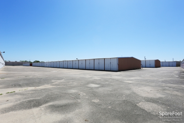 Boat Barn Self Storage - Photo 8
