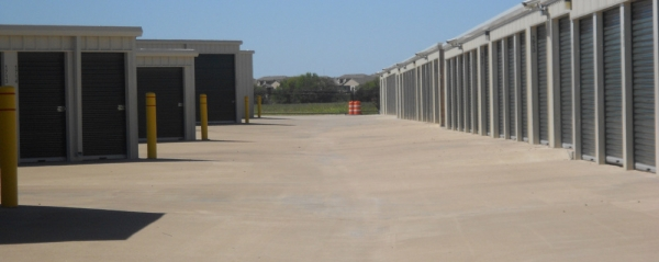 Aaron's Self Storage - Wooded Acres - Photo 2