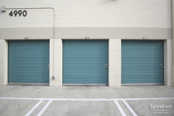Saf Keep Self Storage - Los Angeles - Melrose Avenue - Photo 5