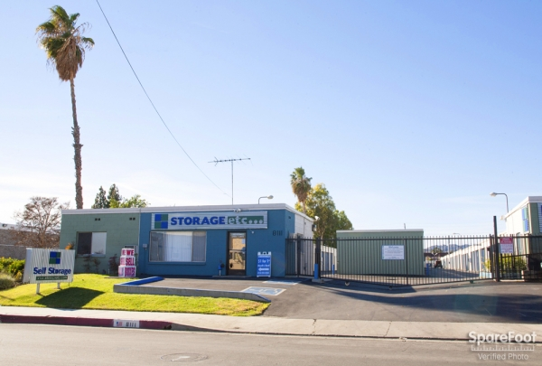 Storage Etc. - Canoga Park - Photo 6