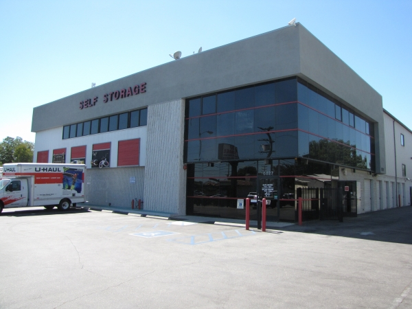 Keep It Self Storage - Van Nuys - 6827 Woodley Ave, Van Nuys CA 91406 - Storefront