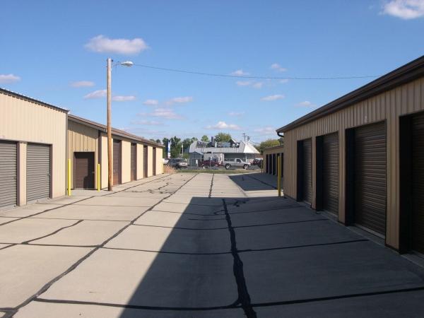 Community Storage - Broadway - Photo 3