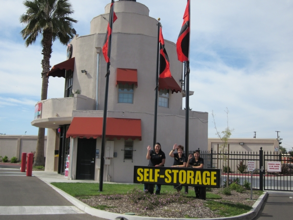 Mayfair Self Storage - 3199 E Mckinley Ave, Fresno CA 93703 - Storefront