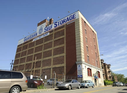 Guardian Storage | Bloomfield - 750 S Millvale Ave, Pittsburgh PA 15213 - Storefront