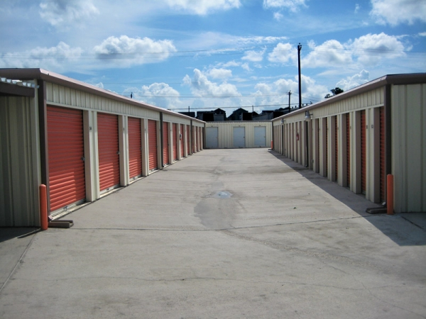 Proguard Self Storage - Heights - Photo 3