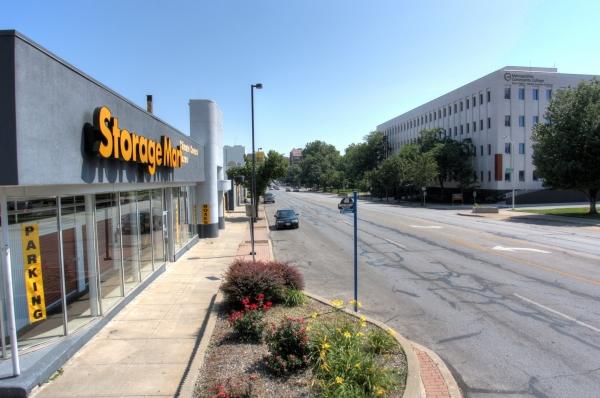 StorageMart - Broadway & 34th - Photo 4