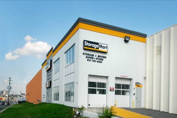 StorageMart - Southwest Blvd & Rainbow - Photo 1